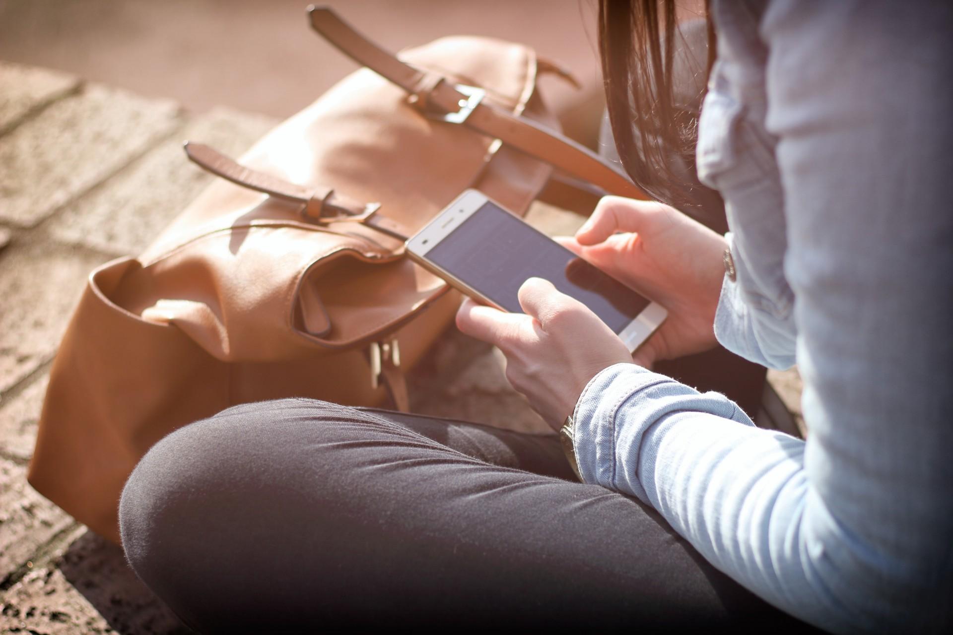 Mucho tiempo frente al móvil empeora la visión
