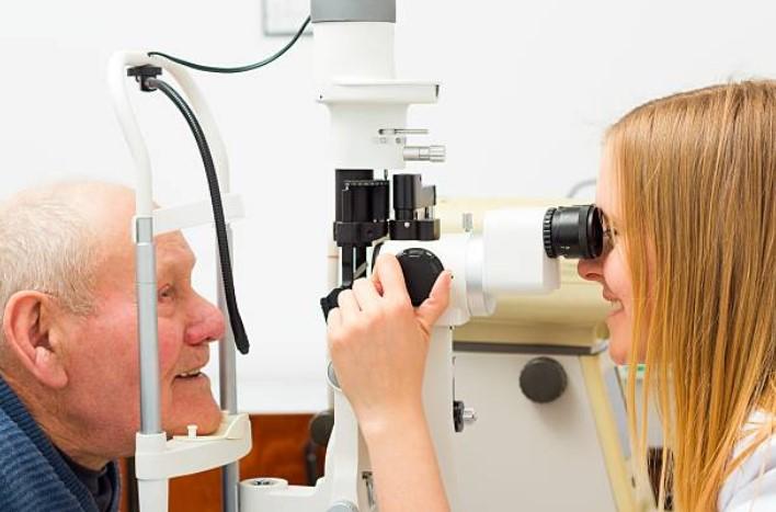 La vista cansada afecta a más de 17 millones de personas en el país