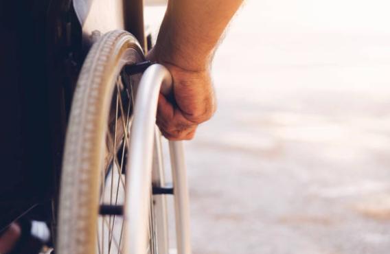 Más de 7 millones de españoles tienen alguna limitación física importante